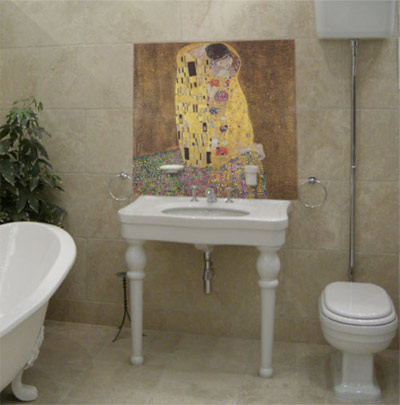 bathroom mural with The Kiss by Gustav Klimt